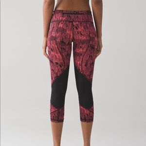 nwot • lululemon pace rival full-on luxtreme crops